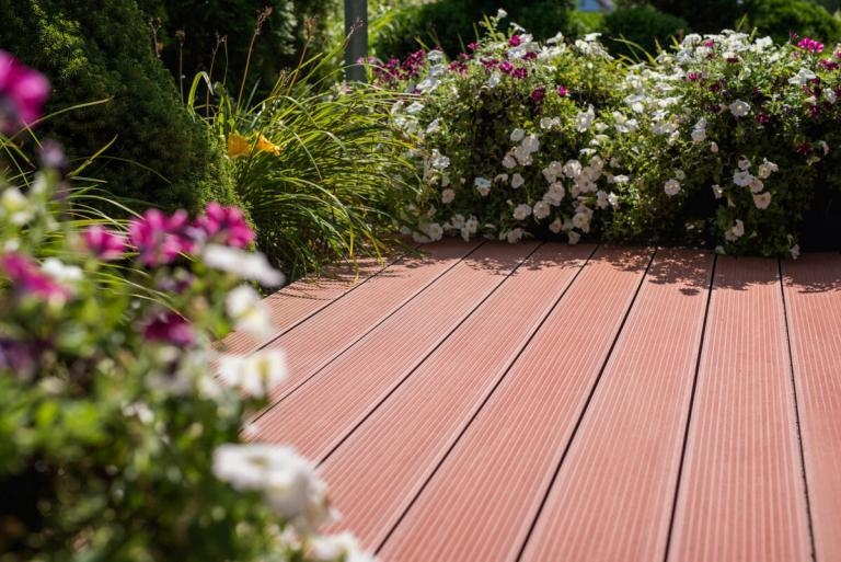 PVC-based composite decking vs. cheaper, less durable substitutes – a significant difference