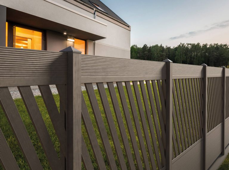HARTIKA PARKAN composite system – a beautiful fence for years to come